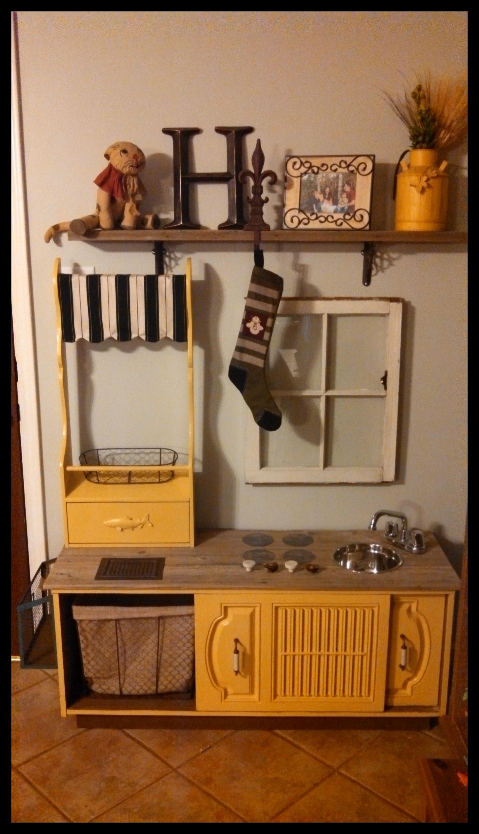 DIY Play Kitchen – The Mommy Teacher